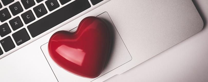Опрос: влюблялись ли вы в своего начальника или коллег?