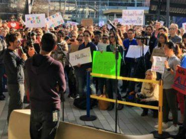 Сотрудники Google вышли на демонстрацию против запрета на иммиграцию