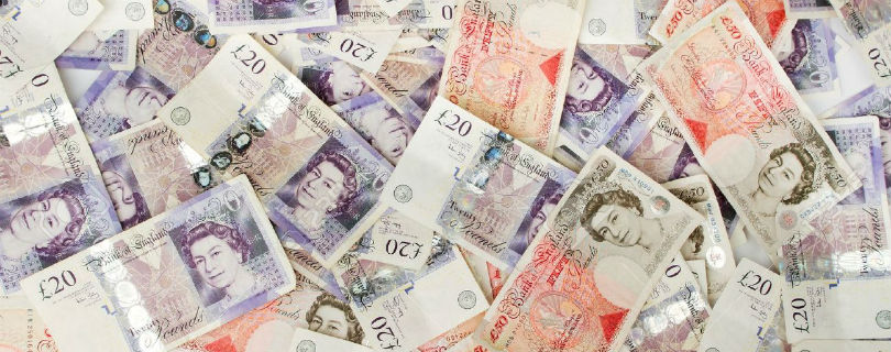 В Великобритании обнаружили «классовый разрыв в оплате труда»