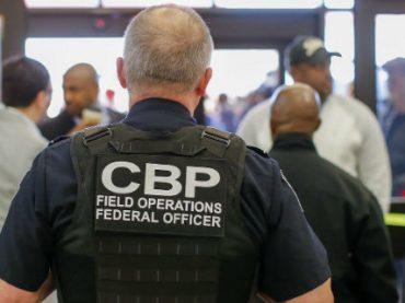 Редактор CNN подал в суд на Госдеп после задержания в аэропорту Атланты