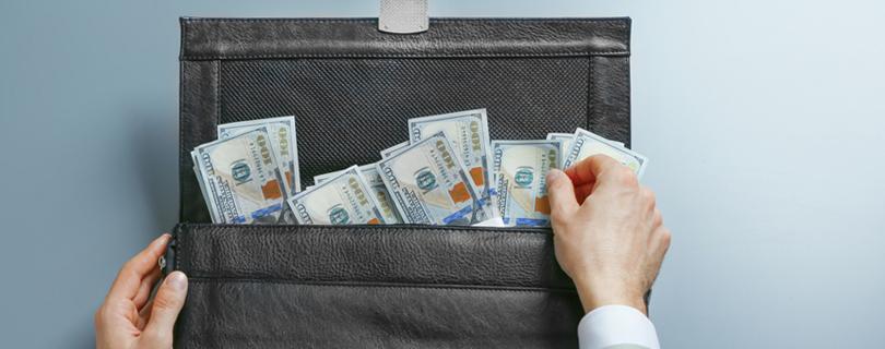 Топовые цифры: сколько платят мужчинам и женщинам на руководящих должностях