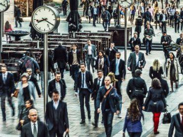 Британские топ-менеджеры получают 386 минимальных зарплат – доклад