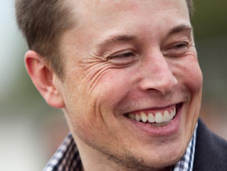 Илон Маск создает новую компанию, чтобы синхронизировать человеческий мозг и компьютер