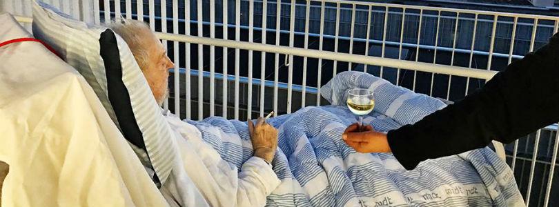 Медсестры нарушили правила больницы, чтобы выполнить желание умирающего пациента