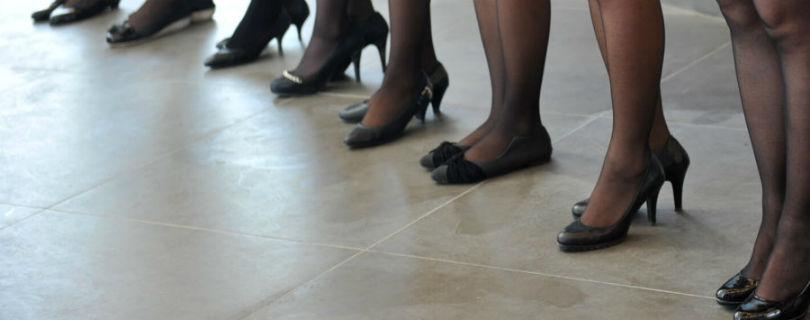 Канадские женщины больше не обязаны ходить на работу на высоких каблуках