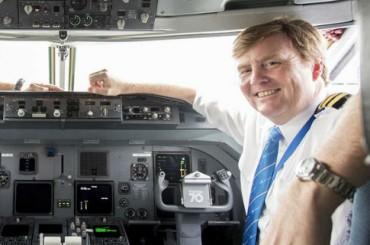 Король Нидерландов признался, что работает пилотом на полставки