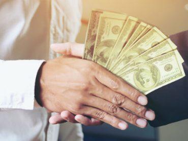 Большинство людей не просят прибавки к зарплате — опрос
