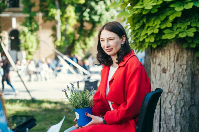 «Бути письменником – це не стиль життя, а вміння працювати і використовувати свої можливості»: інтерв'ю з українською письменницею та журналісткою Катериною Бабкіною