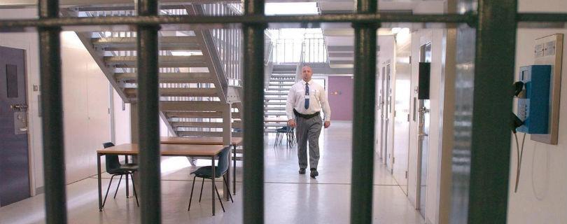 Британским тюремщикам запретили протестовать против условий труда