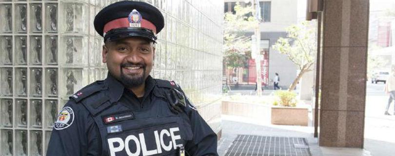 Канадский полицейский купил одежду воришке, которому нечего было надеть на собеседование