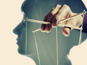 Манипуляции на работе: как их распознать и защититься (аудио)