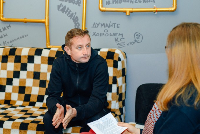 «Коли зникає відчуття самоіронії, з'являються комплекси і фобії»: інтерв'ю із письменником Сергієм Жаданом