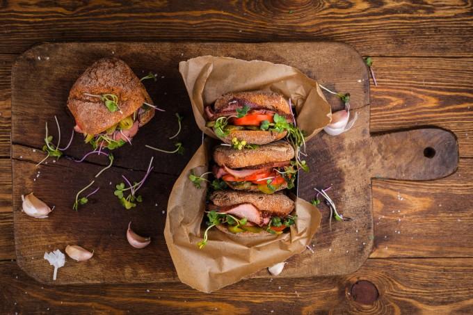 Про гастрономічний бізнес по-українськи, стартовий капітал, крафт та мас-маркет: інтерв'ю із засновником бренду «Димне м'ясо» Тарасом Парандієм