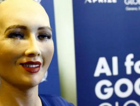 Робот-андроид подшутил над Илоном Маском и получил гражданство Саудовской Аравии