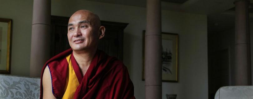 Секретаря Далай Ламы обвиняют в вымогательстве