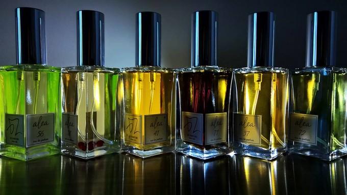 О химии, «комфортных» запахах, масс-маркете и правилах подбора парфюма: интервью с парфюмером и основателем BZ Parfums Богданом Зубченко