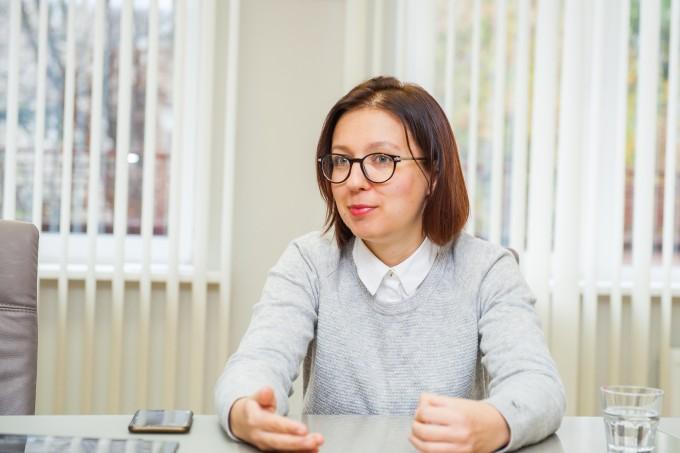 «Коли людина не відчуває, що має заслужити своє місце в університеті, то це створює хибну мотивацію»: інтерв'ю із віце-президентом Київської школи економіки Інною Совсун