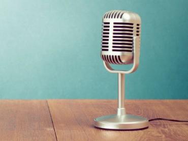 Канадским радиоведущим разрешили ругаться матом