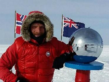 Британский полярник прервал экспедицию по Антарктике из-за угрозы жизни