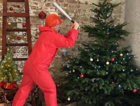 В Лондоне открыли «комнату ярости» для тех, кто уже устал от Рождества
