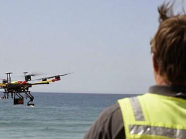Беспилотник помог спасти двух подростков на австралийском пляже (видео)