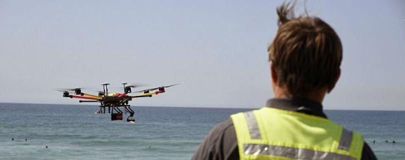 Беспилотник помог спасти двух подростков на австралийском пляже