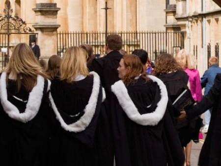 В Оксфорд впервые поступило больше женщин, чем мужчин