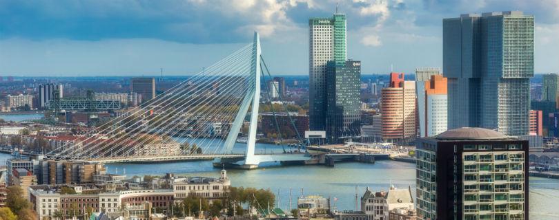 Полиция Роттердама будет раздевать подозрительных хипстеров прямо на улице