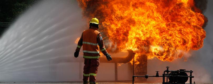 Военные, пожарные и репортеры попали в список самых напряженных профессий