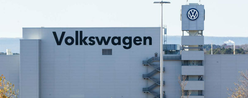 Volkswagen отстранил топ-менеджера за эксперименты над обезьянами и людьми