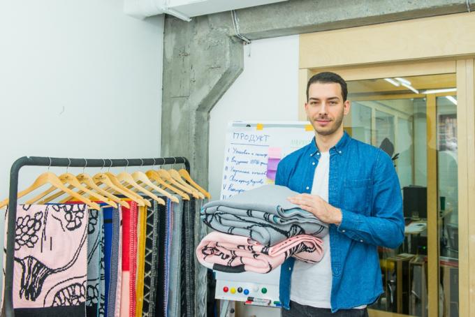 Об американском опыте, поисках художников в Instagram и фабрике против хендмейда: интервью с основателями украинского бренда пледов Woolkrafts