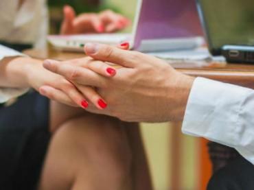 Facebook разрешает сотрудникам сходить на свидание друг с другом только один раз
