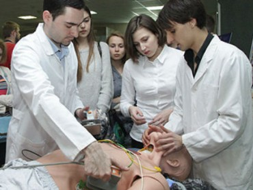 Минздрав проверит знания будущих врачей