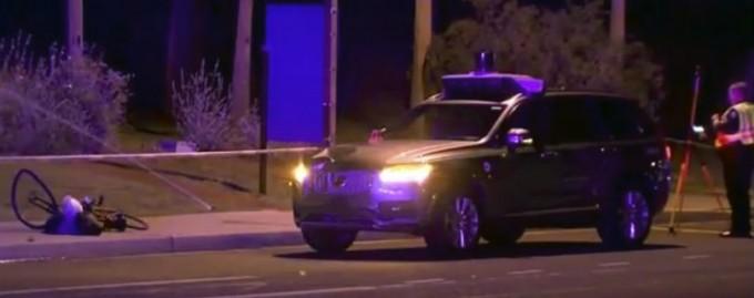 Uber приостановит тестирование беспилотных такси после смертельной аварии