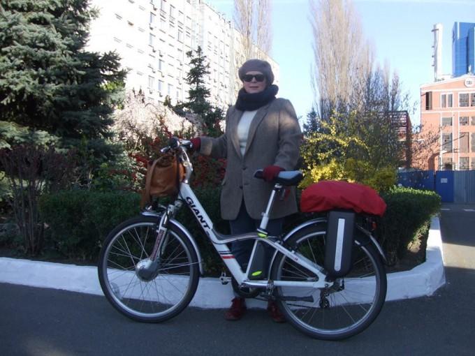 «Не такі ті пагорби й високі»: кияни про подорожі велосипедом на роботу, дрес-код для поїздок та плюси пересування на байку