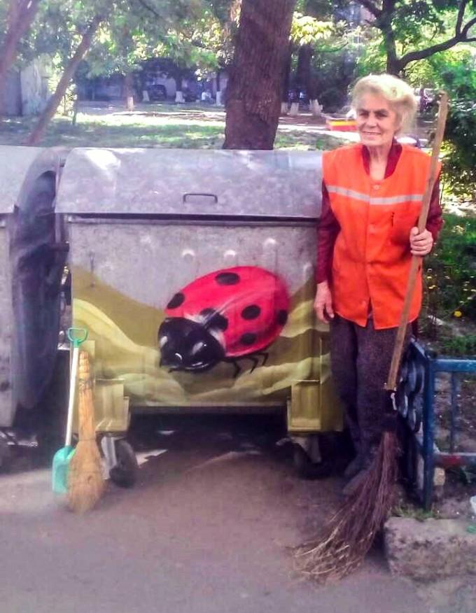 Киевлянин нарисовал граффити, чтобы поддержать дворника