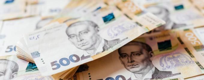 Количество людей, которые зарабатывают более 10 000 гривен в месяц, выросло вдвое