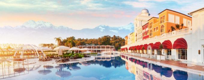 Названы топ-10 стран и курортов, где любят отдыхать украинцы