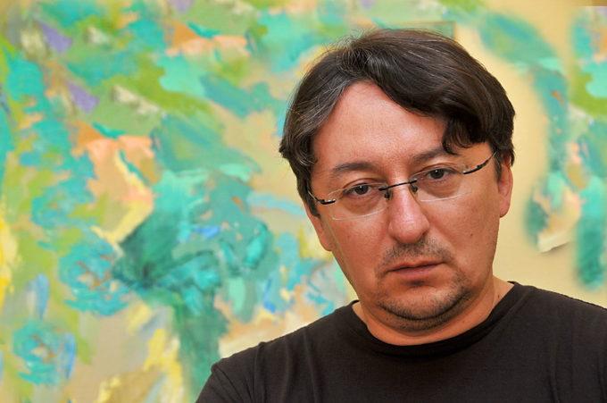 «Цікавий текст народжується як настрій»: інтерв'ю з театральним критиком Олегом Вергелісом