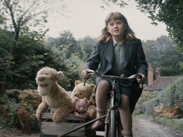 Винни Пух, любовь синтетиков и людей и документалка об Эми Уайнхаус: 5 фильмов, на которые стоит пойти в августе