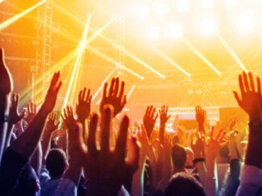 Как в кино: пенсионеры сбежали из дома престарелых на рок-фестиваль