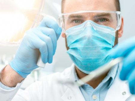 Хотят быть стоматологами и археологами: топ-10 самых популярных специальностей в вузах