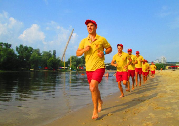 «Самая большая опасность в волонтерстве – дилетантство»: как работают добровольные пожарные, спасатели и парамедики