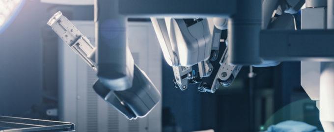 В больницах Великобритании будут оперировать роботы
