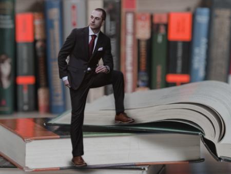 SPIN, прихований вплив та суперпродавці: 5 корисних книжок для експертів з продажів