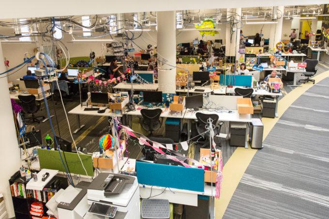 Доставляет ли Zappos счастье своим сотрудникам: колонка директора по устойчивому развитию ДТЭК Александра Кучеренко