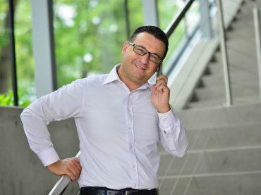«Якщо людина хоче працювати, ми завжди даємо шанс»: інтерв'ю з власником компанії Projektanci Kariery Давидом Сейфертом
