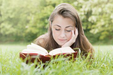 Що читати влітку: 8 книжок для гарного настрою