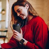 10 Telegram-каналів з аудіокнигами: новинки та класика бізнес-літератури