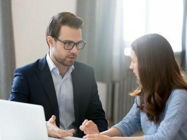 Як професійно поскаржитися шефу?